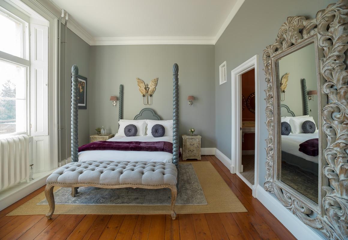 Lady Carolines Room